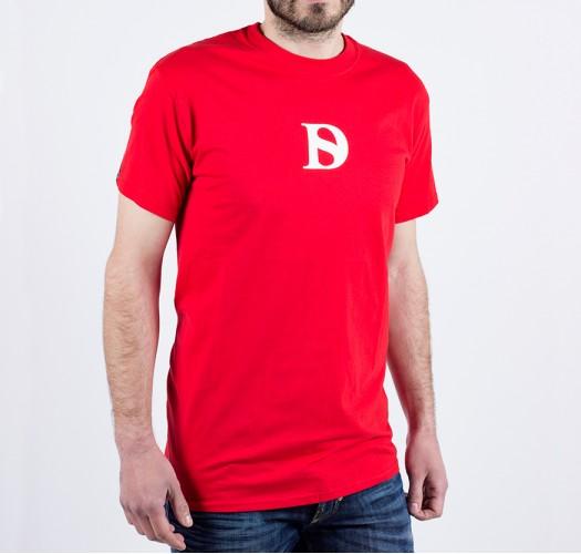 T-shirt / man / D logo (red)
